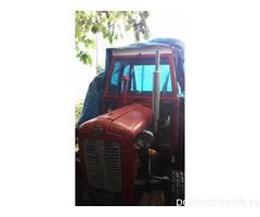 Na prodaju traktor