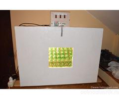 Poluautomatski inkubator za 180 jaja