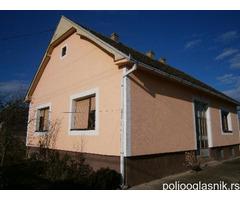 Kuća na prodaju kod Beograda (pogodno za organsku proizvodnju-Farmu)